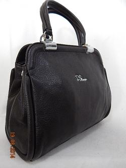 Купить женские сумки оптом в Якутске - просто с нашей компанией Олива.